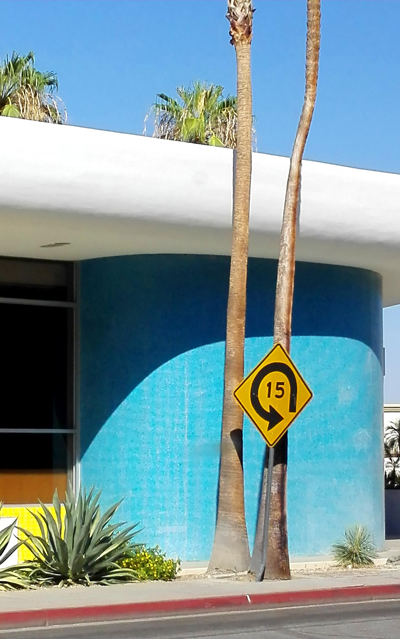 Bank-Palmsprings-Bauhaus